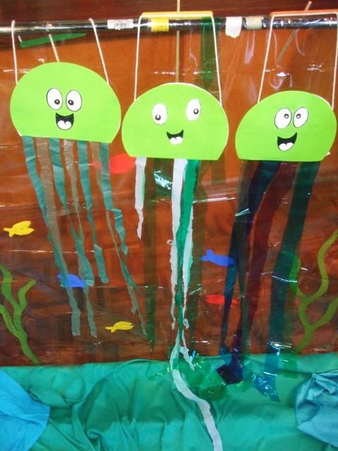 jellyfish-puppets.jpg
